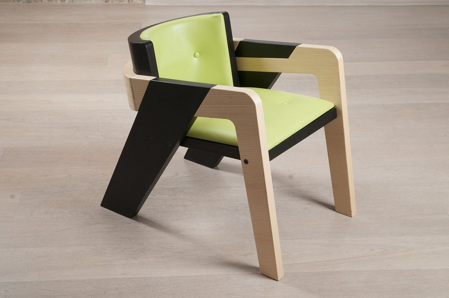 elegant-self-assembly-io-chair-from-two-toned-wood-11