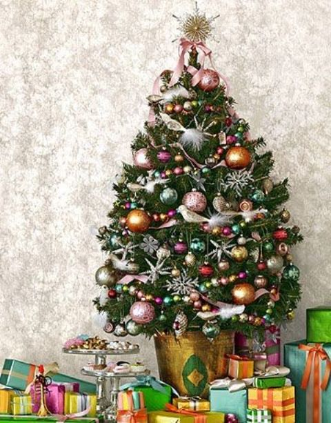 space-saving-christmas-trees-for-small-spaces-19