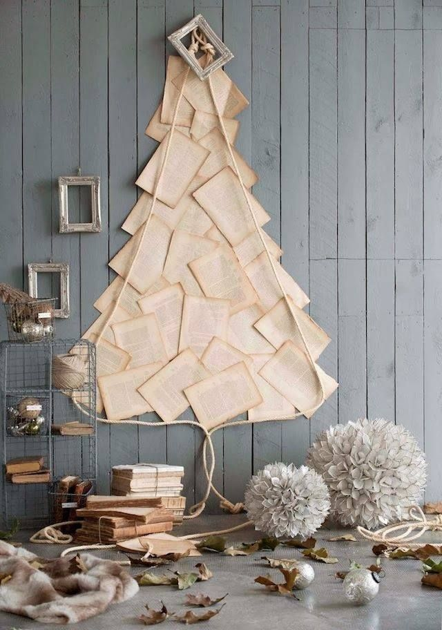 space-saving-christmas-trees-for-small-spaces-31