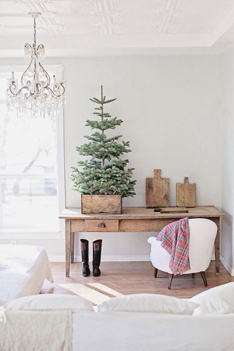 space-saving-christmas-trees-for-small-spaces-9