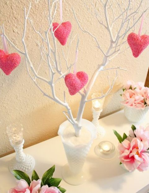 fun-pink-valentines-day-decor-ideas-13