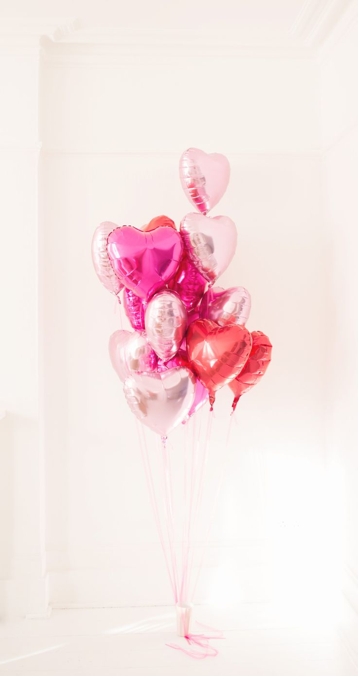 fun-pink-valentines-day-decor-ideas-19