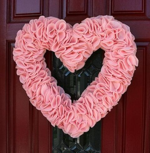 fun-pink-valentines-day-decor-ideas-4