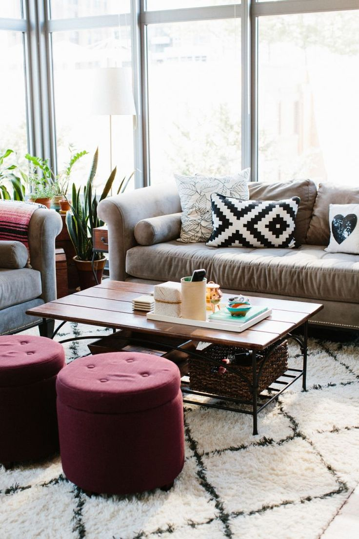 how-to-accentuate-your-living-room-with-marsala-ideas-16