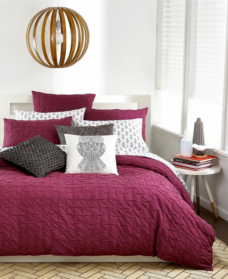 how-to-decorate-your-bedroom-with-marsala-11