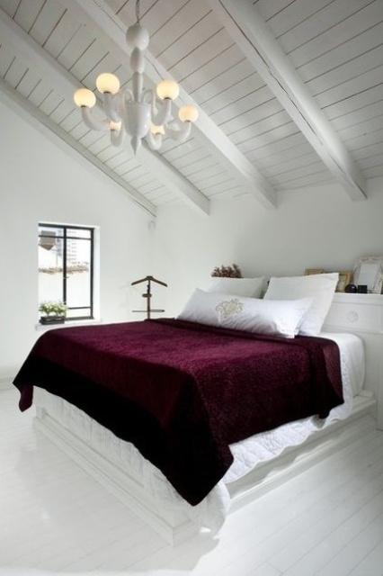 how-to-decorate-your-bedroom-with-marsala-15
