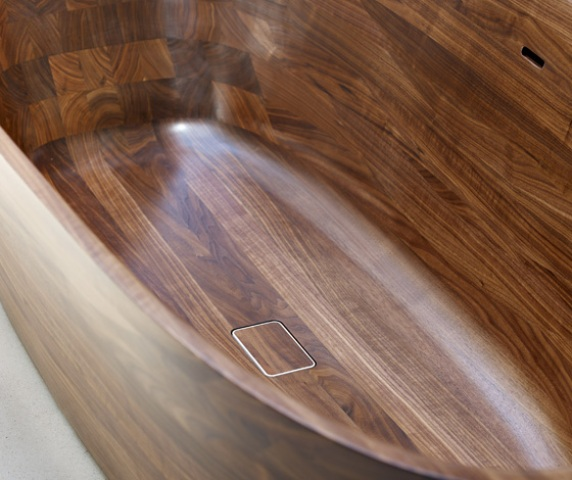 refined-and-polished-wooden-shell-bathtub-1