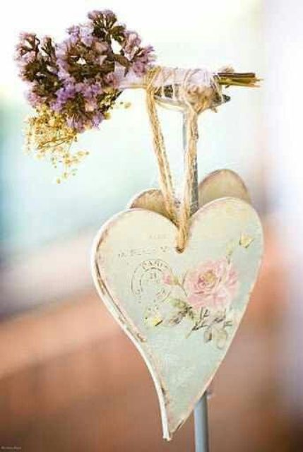 sweet-shabby-chic-valentines-day-decor-ideas-26