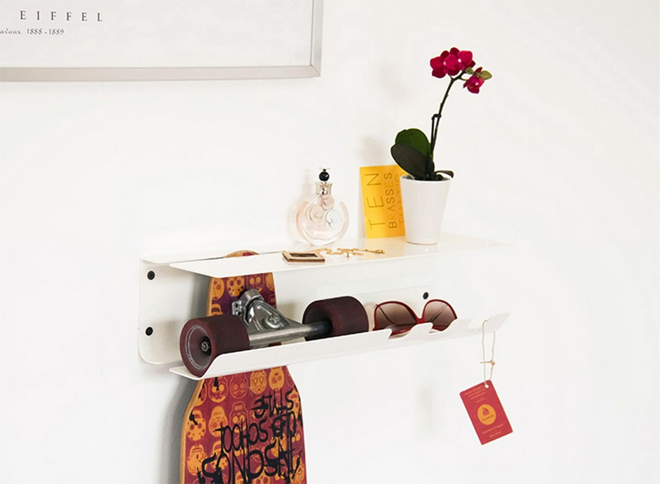 wall-ride-rack-for-displaying-your-skateboard-3