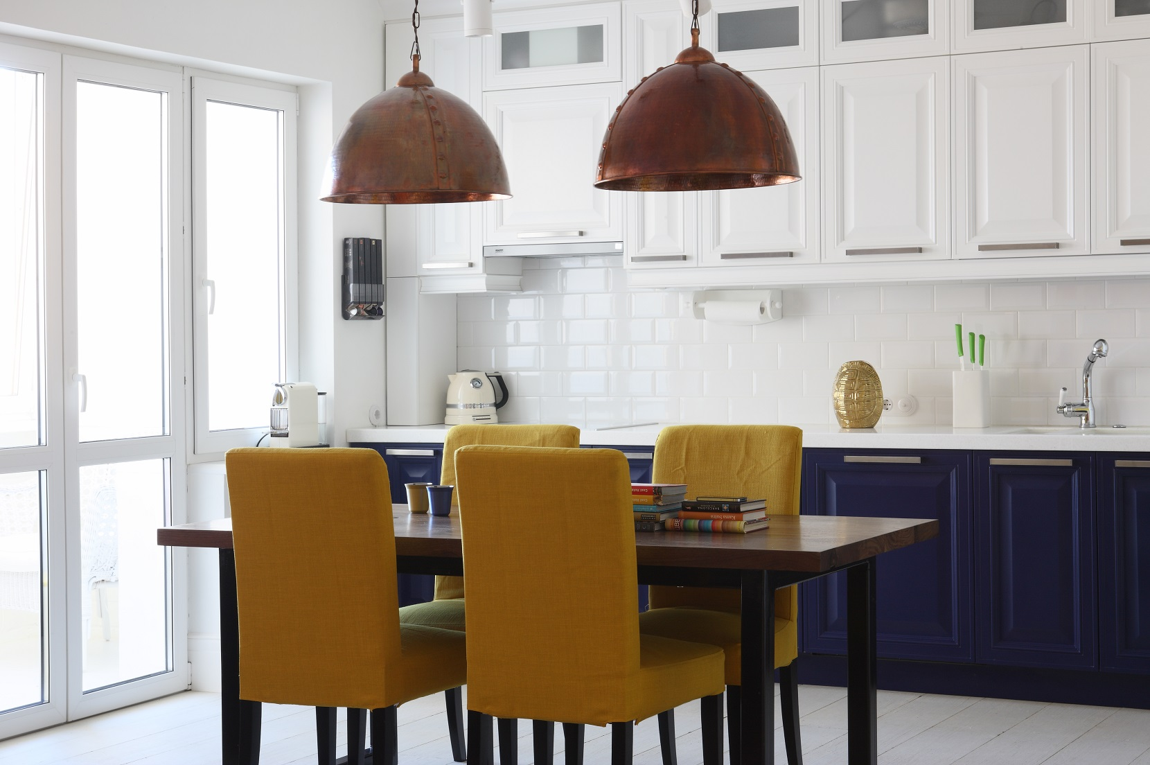 cheerful-and-colorful-apartment-for-the-newlyweds-4