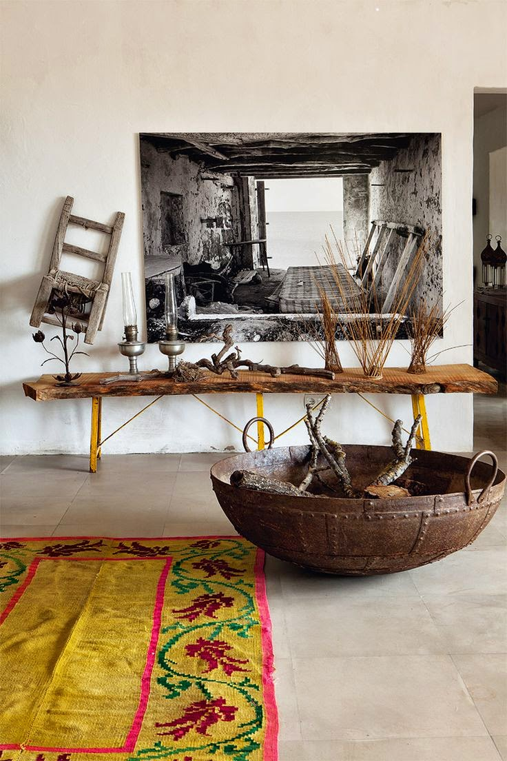 cheerful-rustic-ibiza-retreat-with-colorful-details-2