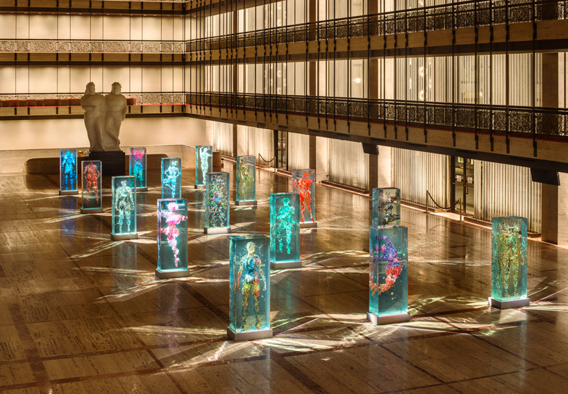 dustin-yellin-infills-lincoln-center-with-glass-dancers-for-the-NYC-ballet-designboom-100