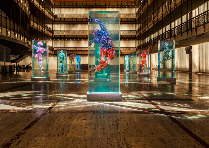 dustin-yellin-infills-lincoln-center-with-glass-dancers-for-the-NYC-ballet-designboom-102