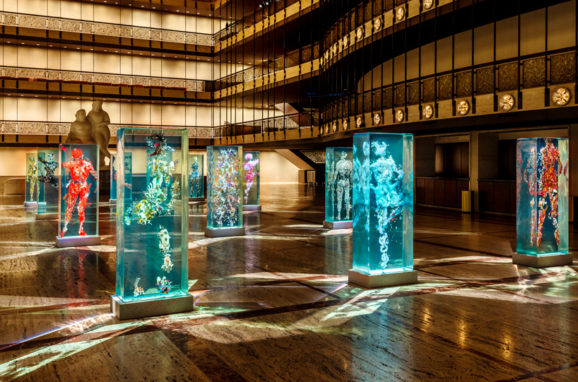 dustin-yellin-infills-lincoln-center-with-glass-dancers-for-the-NYC-ballet-designboom-105
