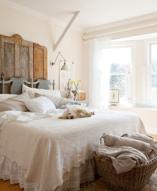 farmhouse-bedroom-design-ideas-that-inspire-18