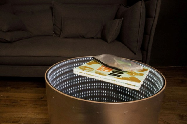 infinitum-table-with-a-led-optical-illusion-3