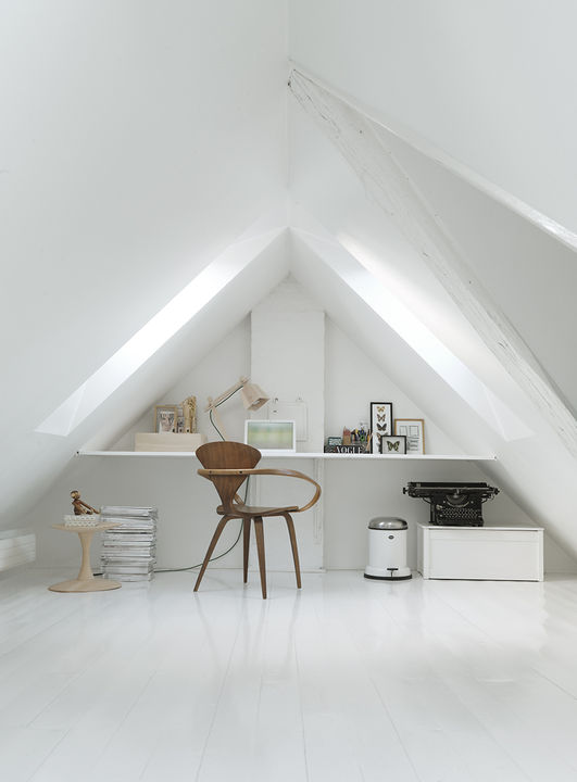 monochromatic-minimalist-townhouse-in-copenhagen-11