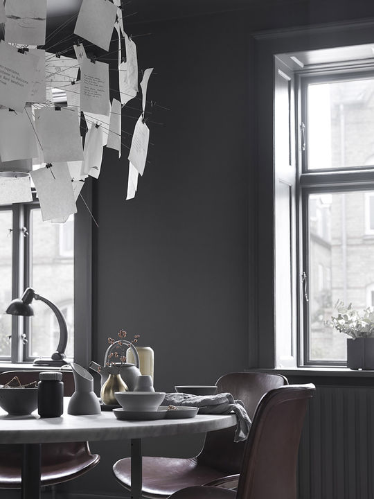monochromatic-minimalist-townhouse-in-copenhagen-2