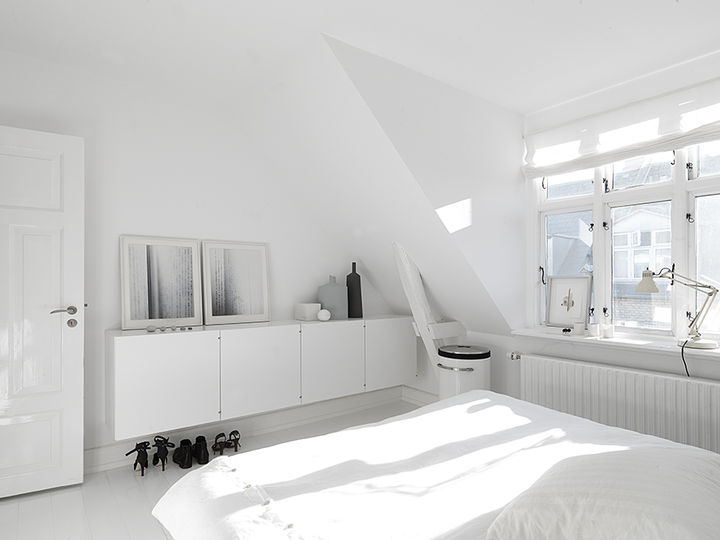 monochromatic-minimalist-townhouse-in-copenhagen-5