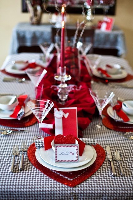 romantic-valentines-day-table-settings-13