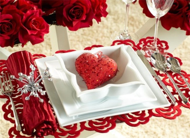 romantic-valentines-day-table-settings-17