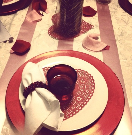 romantic-valentines-day-table-settings-18