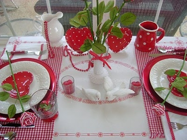 romantic-valentines-day-table-settings-30