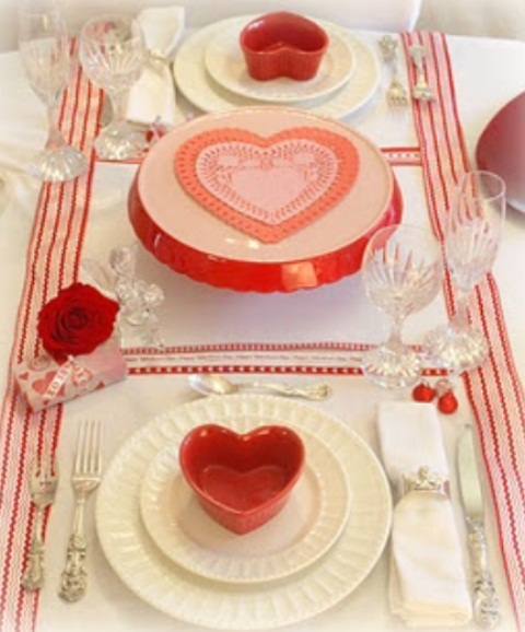 romantic-valentines-day-table-settings-34