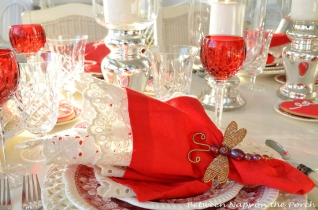 romantic-valentines-day-table-settings-38