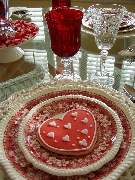 romantic-valentines-day-table-settings-4