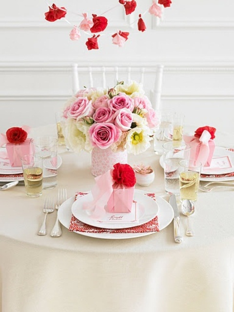 romantic-valentines-day-table-settings-42