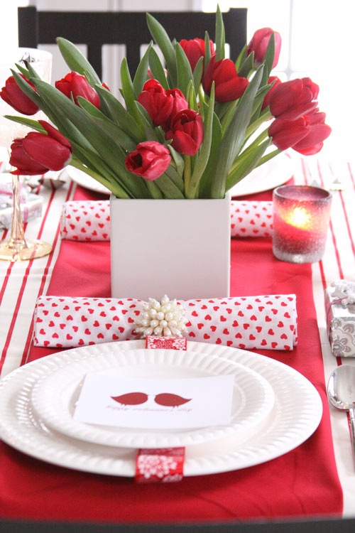 romantic-valentines-day-table-settings-43