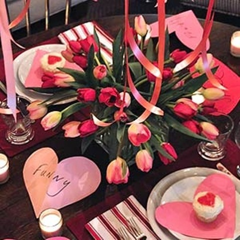 romantic-valentines-day-table-settings-48