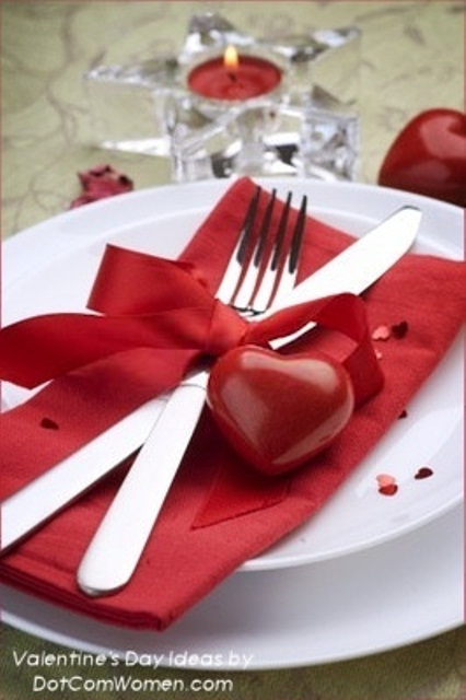 romantic-valentines-day-table-settings-50