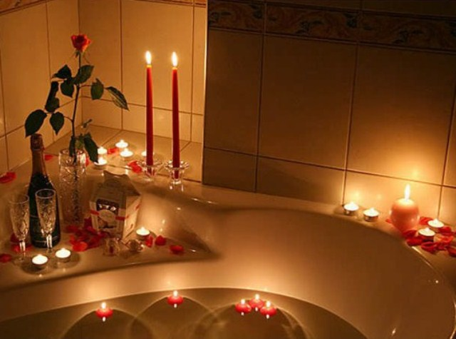 valentines-day-bathroom-decor-ideas-10