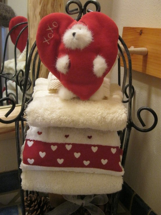 valentines-day-bathroom-decor-ideas-3