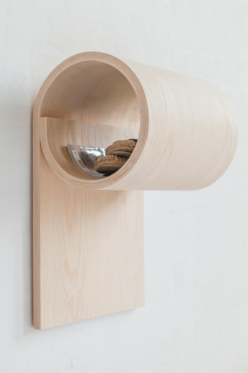 sma-ting-rolled-wooden-storage-for-small-spaces-1