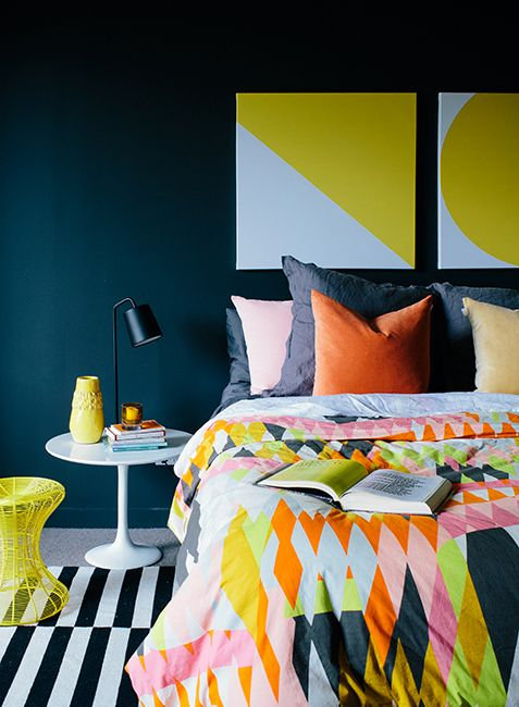 trendy-and-eye-catching-geometric-and-bedroom-decor-ideas-12