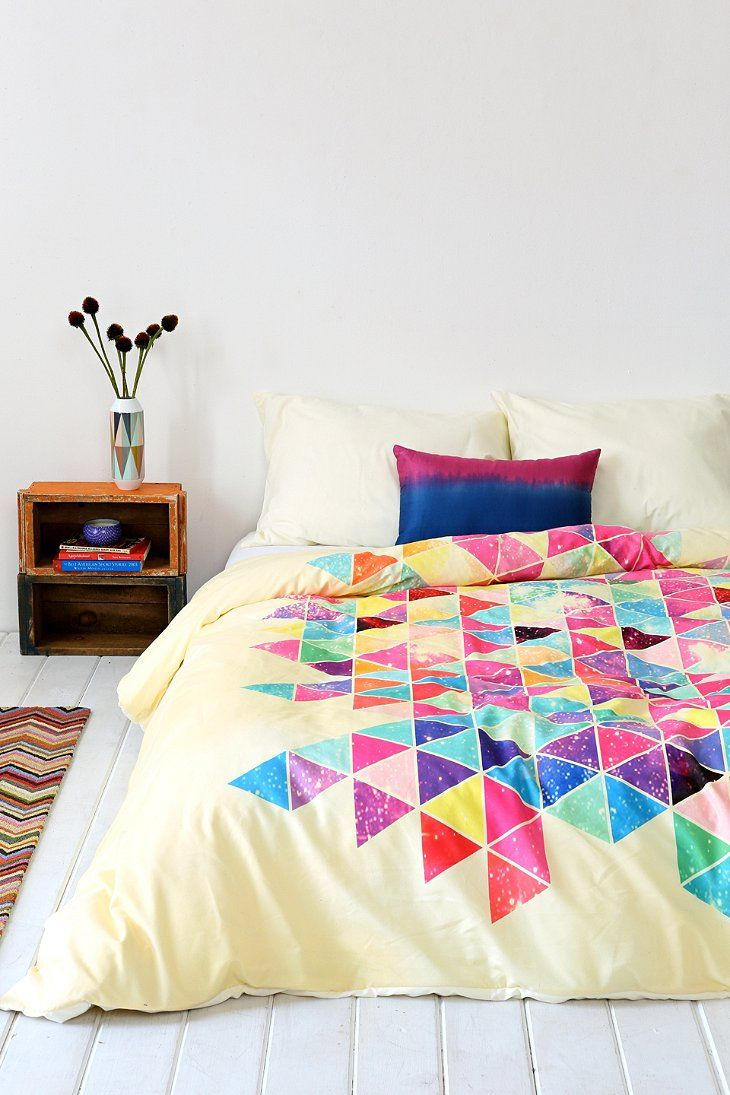 trendy-and-eye-catching-geometric-and-bedroom-decor-ideas-14