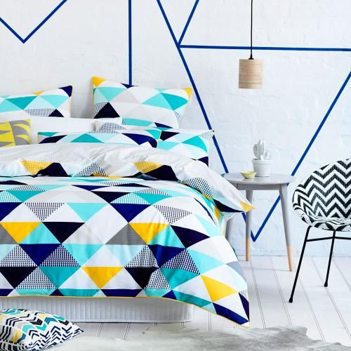 trendy-and-eye-catching-geometric-and-bedroom-decor-ideas-19