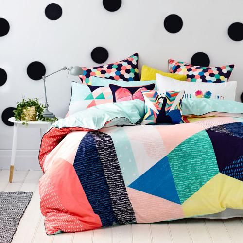 trendy-and-eye-catching-geometric-and-bedroom-decor-ideas-4