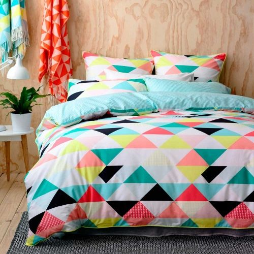 trendy-and-eye-catching-geometric-and-bedroom-decor-ideas-7