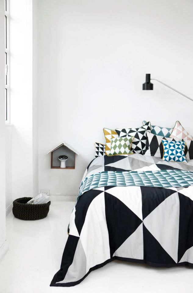 trendy-and-eye-catching-geometric-and-bedroom-decor-ideas-8