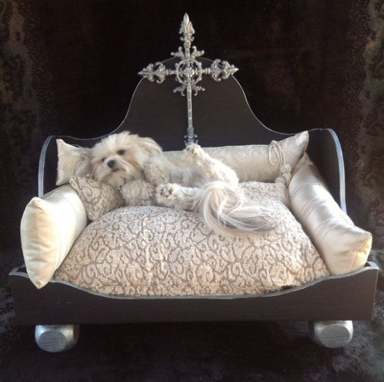 awesome-dog-beds-for-indoors-and-outdoors-22-554x551