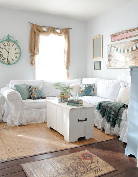 comfy-farmhouse-living-room-designs-to-steal-23