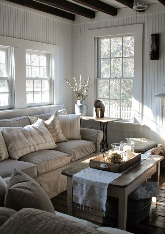 comfy-farmhouse-living-room-designs-to-steal-4-554x785