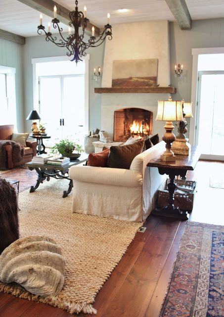 comfy-farmhouse-living-room-designs-to-steal-5