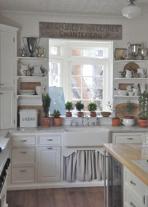 cozy-and-chic-farmhouse-kitchen-decor-ideas-18