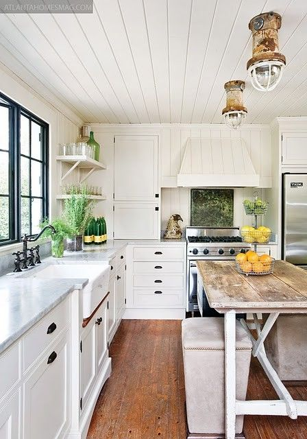 cozy-and-chic-farmhouse-kitchen-decor-ideas-24