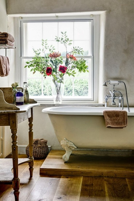 cozy-and-relaxing-farmhouse-bathroom-designs-11-554x831